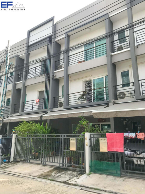 ทาวน์โฮม3ชั้น บ้านกลางเมือง สวนหลวง